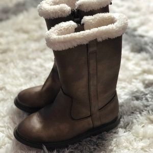 Carters boots size 11